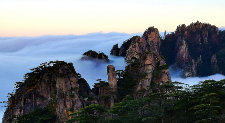 cloud sea of Mount Huangshan